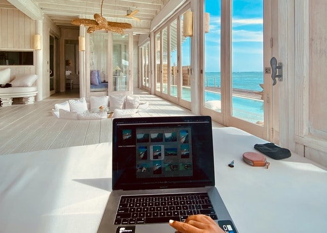 Surfing social media for interior design projects